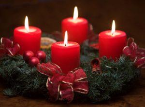 adviento-en-familia-preparacion-para-navidad-4-velas-encendidas